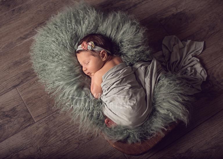 newborn at home photo session