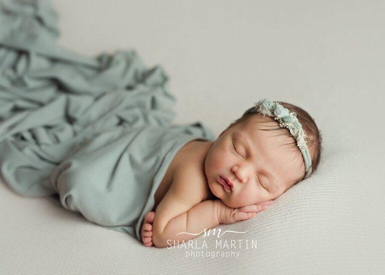 newborn girl photo